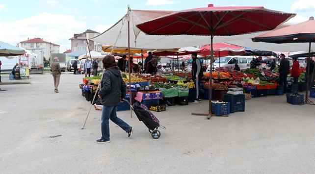 Bakan Koca'dan semt pazarlarında 'maske' uyarısı